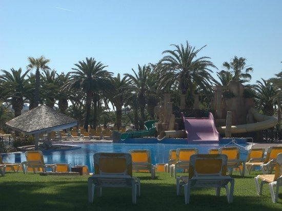 Camping & Resort Sanguli Salou : top pool with slides