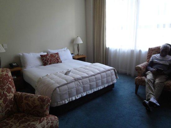 Quest Wellington : spacious room