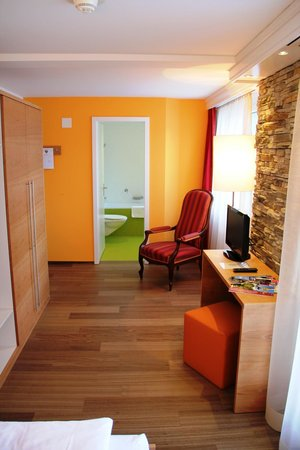 Parkhotel Schoenegg: Einzelzimmer mit Blick auf die Bergwelt
