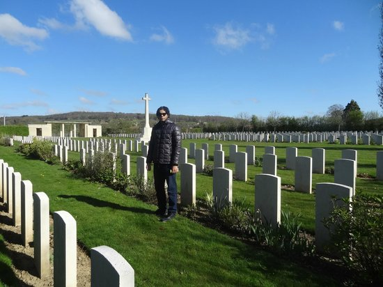 Saint-Charles-de-Percy War Cemetery