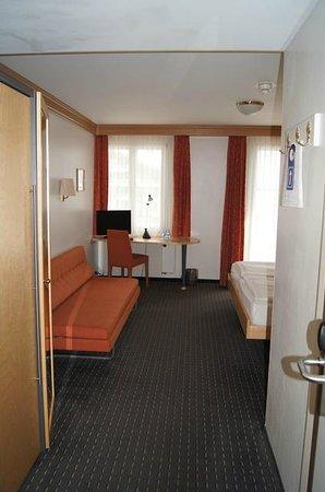 Parkhotel Schoenegg: Doppelzimmer mit Teppichboden