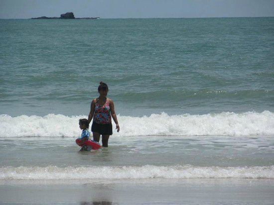 Cenang Beach: swimming in ocean water
