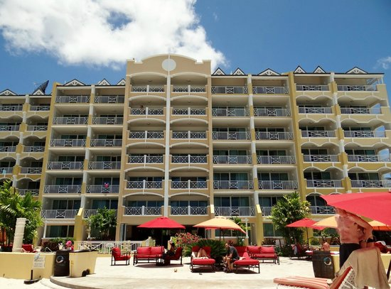 Ocean Two Resort & Residences: Hotel front
