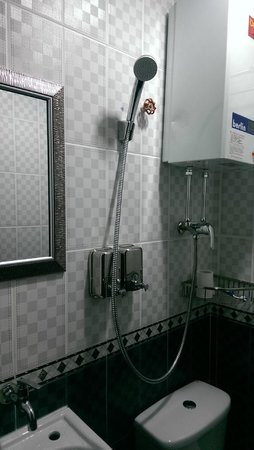 Canada Hotel: Bathroom