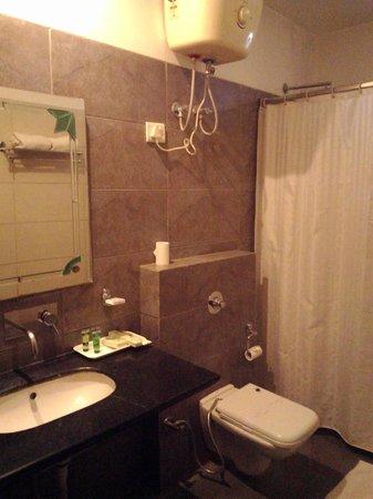 Hotel Le Seasons : ванная комната