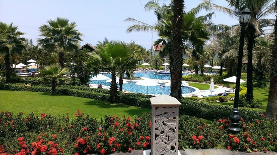 Palm Garden Beach Resort & Spa: Gardens & pool area