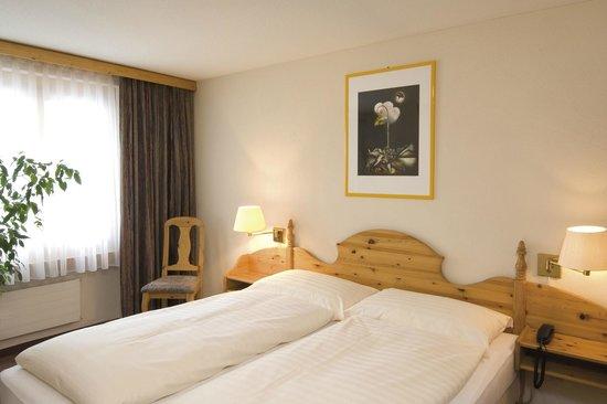 Silvretta Parkhotel Klosters: Suite Bedroom