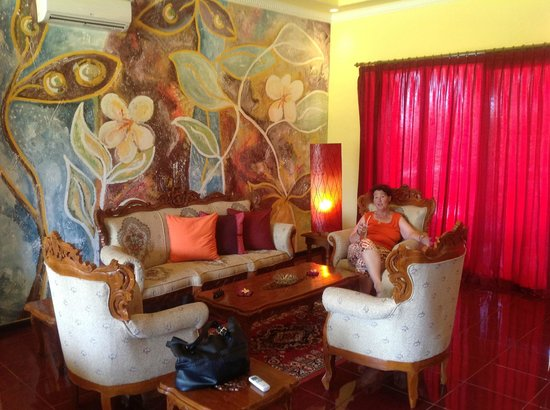 Bali Paradise Hotel Boutique Resort: Lounge in the room