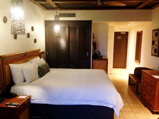 Outrigger Fiji Beach Resort: Our room