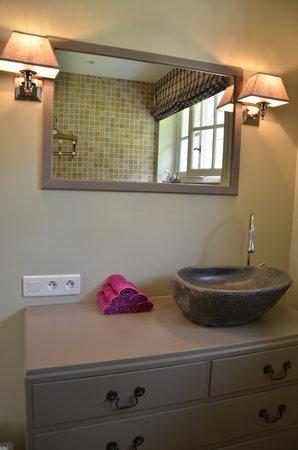 Domaine de la Greze : bathroom