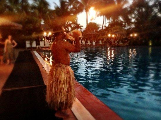 Outrigger Fiji Beach Resort : Lighting Ceremony