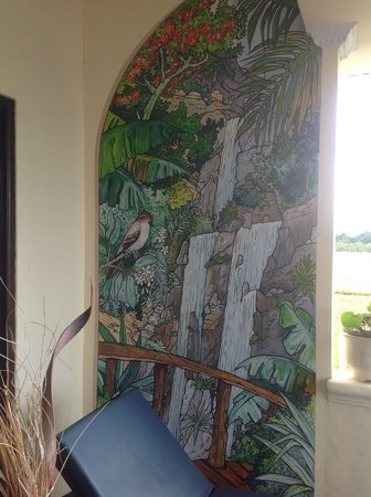 Bali Paradise Hotel Boutique Resort: Art work on the balcony