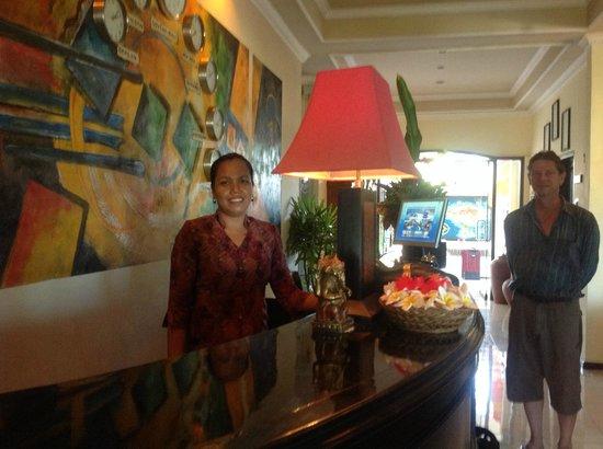 Bali Paradise Hotel Boutique Resort: Front desk