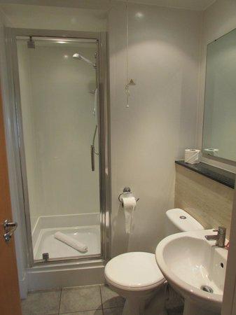 Butlin's Bognor Regis Resort: Bathroom