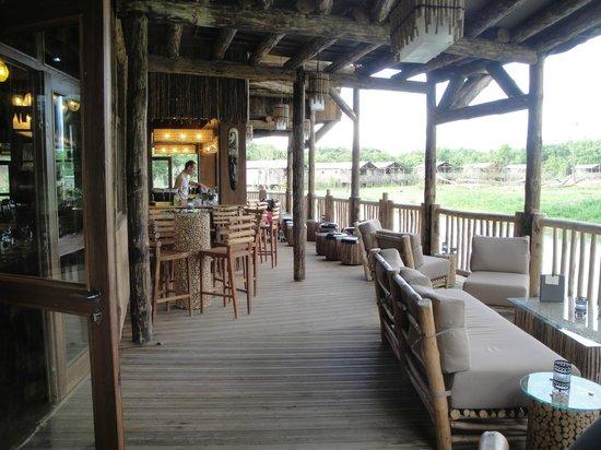 restaurant du lodge terrasse vue sur parc photo de le. Black Bedroom Furniture Sets. Home Design Ideas