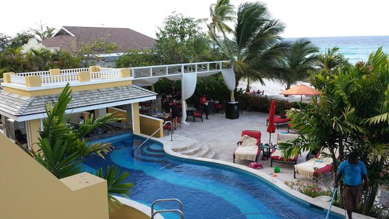 Ocean Two Resort & Residences: The view from room 207