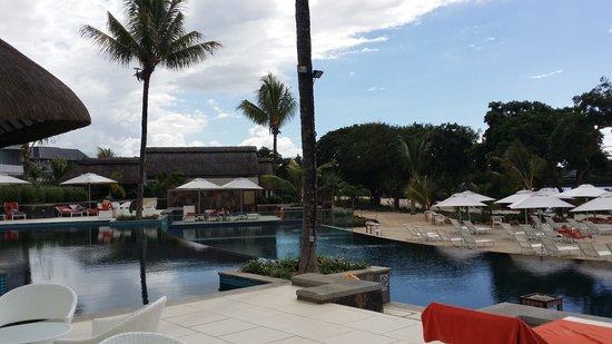 Radisson Blu Azuri Resort & Spa, Mauritius : Swimming Pool