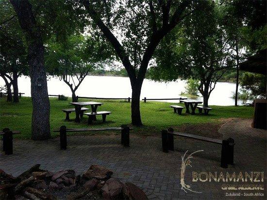 Bonamanzi Game Reserve: Dinizulu Dam, home of our Bush Braai