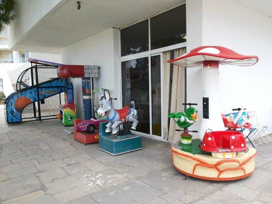Doreta Beach Hotel : платные аттракционы