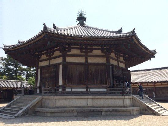Horyuji Temple: 法隆寺3