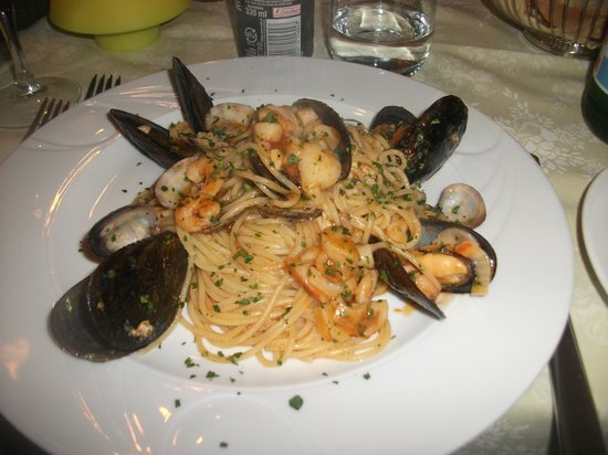 Trattoria In Campieo: The amazing seafood pasta