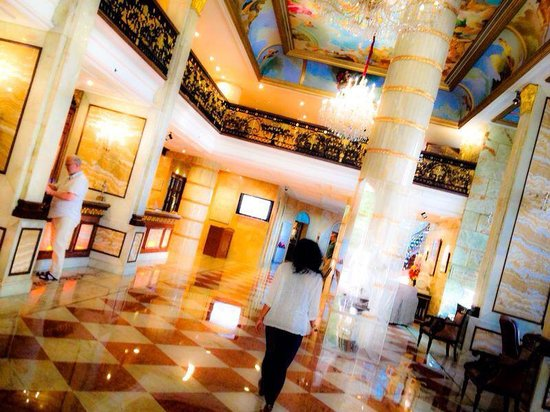 Hotel The Royal Plaza: Experience it all