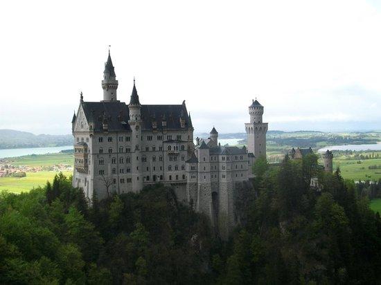 European Castles Tours: castello vista laterale