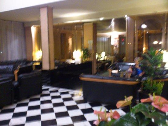 Brunelleschi Hotel : hotel lobby