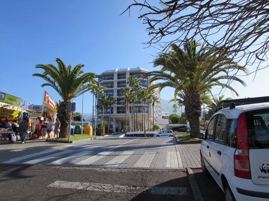 HOVIMA Costa Adeje: front of the hotel