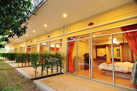 Phuket Sea Resort: Superior Room-Garden