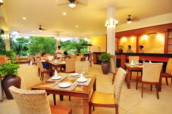 Phuket Sea Resort: Restaurant