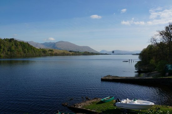 Portsonachan Hotel: View of Loch Awe from patio area