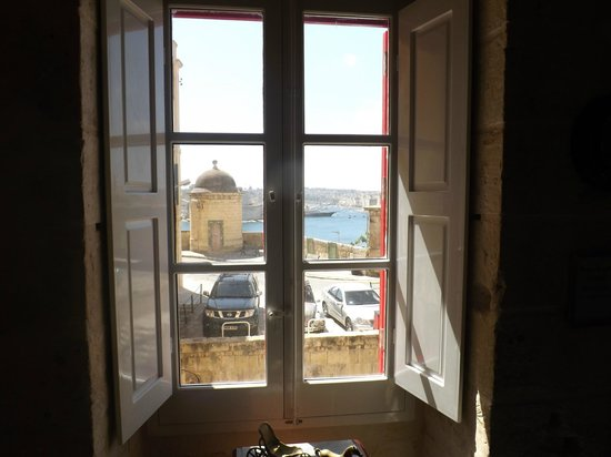 Luciano Al Porto Boutique: Harbour view from room