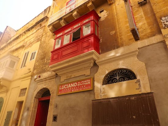 Luciano Al Porto Boutique: Hotel front