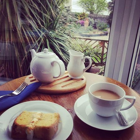 The Rosemary: Welcome tea and cake