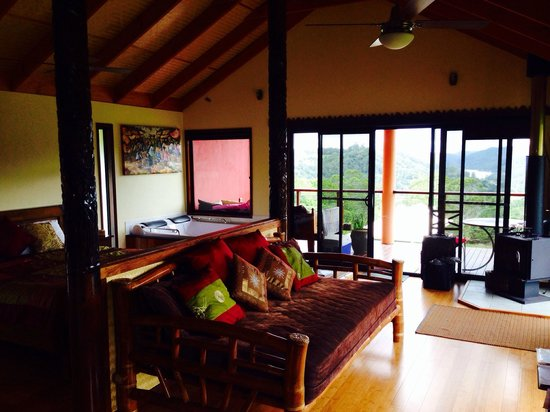 Maleny Tropical Retreat: Candi Dasa