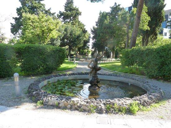 Mercure Villa Romanazzi Carducci Bari: Il parco