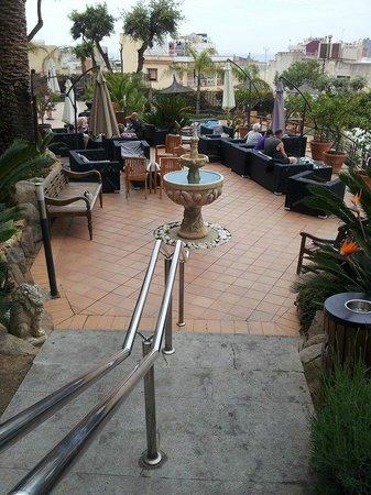 Hotel Alba Seleqtta: Accès piscine