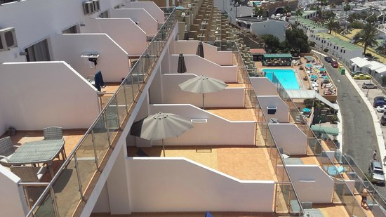Hotel balcony's looking down from roof - Picture of Servatur Casablanca Hotel, Puerto Rico ...
