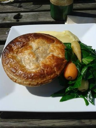 The Red Lion: Chicken and Asparagus Pie with Creamy Mash!