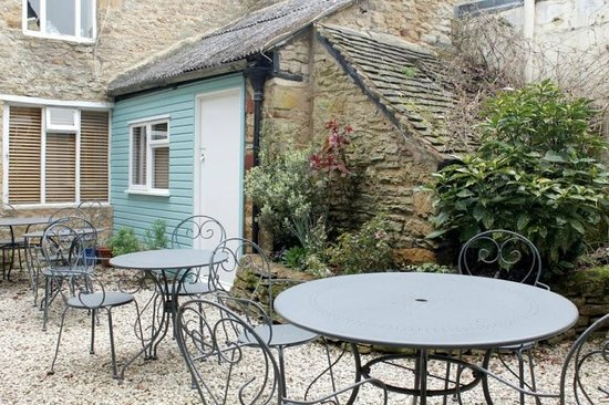 Lucy's Tearoom: The courtyard