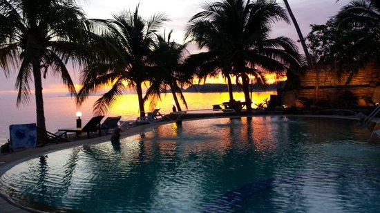 First Villa Beach Resort: Night 2