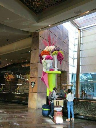 ARIA Resort & Casino: Reception