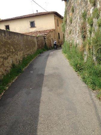 I Bike Tuscany: Biking in a village near Florence