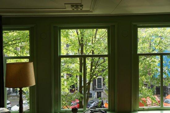 't Hotel : Windows in room