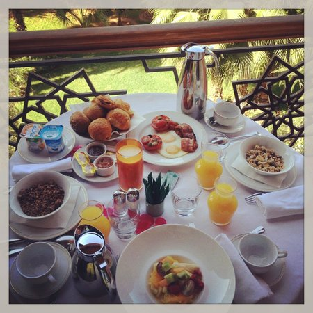 Es Saadi Marrakech Resort - Palace : Petit déjenuer en terrasse