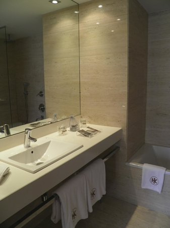 Catalonia Catedral: Salle de bain