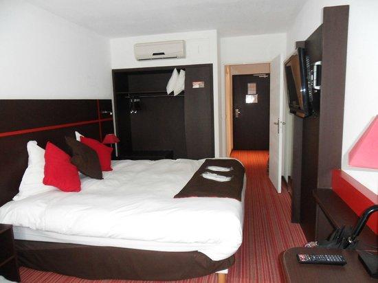 Zenia Hotel & Spa : chambre