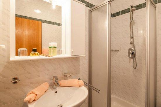 Hotel Bellevue: Badezimmer im Haupthaus