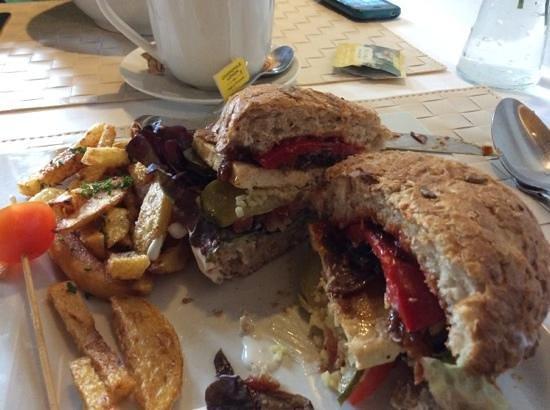 LoVeg: heafty sandwich